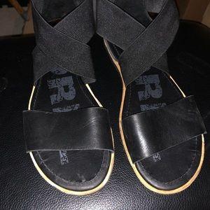 Sorel Ella sandal VEUC black sz 6